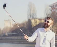 Selfie çubukları yasaklanıyor!