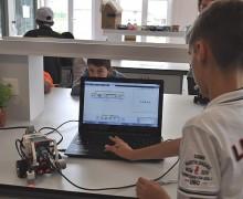 Robotlarla yazılım öğreniyorlar