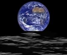 NASA, Dünya'nın fotoğrafını Ay'dan çekti