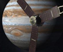 Uzay aracı Juno 4 Temmuz'da Jüpiter'e varacak